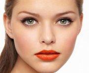 Как увеличить глаза с помощью макияжа?
